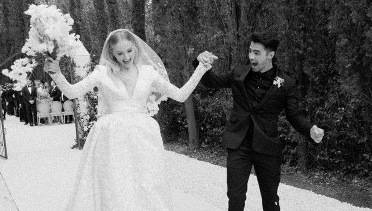 Sophie Turner düğün fotoğraflarını ilk kez paylaştı