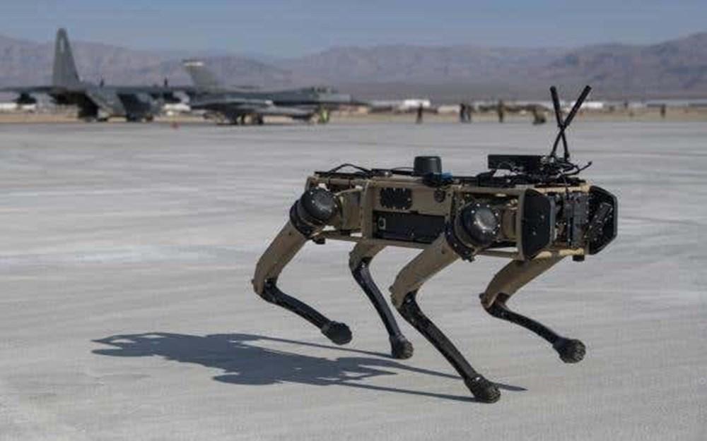 ABD ordusu üs güvenliği için robot köpekleri test etti - 3