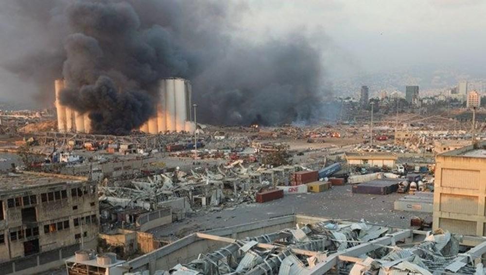 Beyrut Limanı'na patlamanın anısına kırık cam ve moloz yığınlarından heykel dikildi - 5