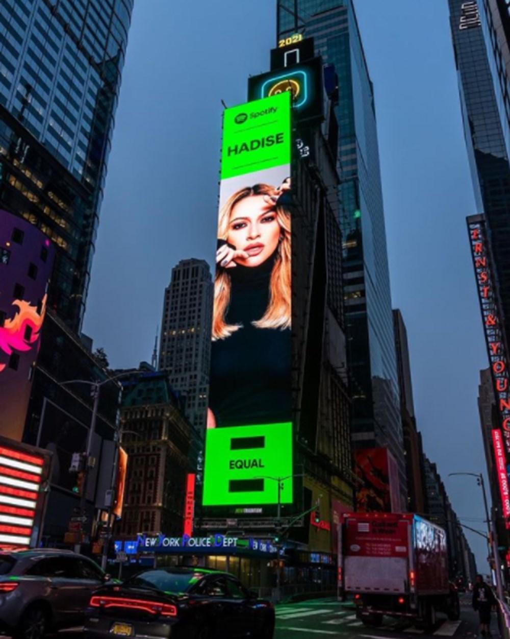 Hadise New York'taki Times Meydanı'nda: Kadınların sesini daha çok duyacaksınız - 3