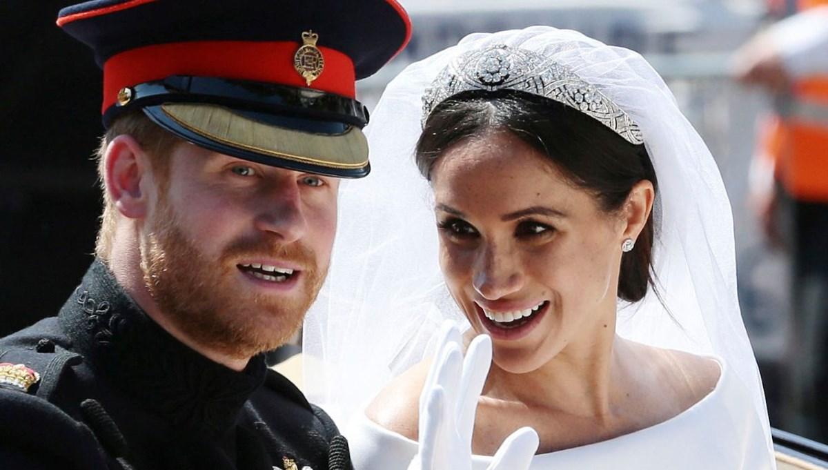 Kraliyetle ipleri koparan Prens Harry ve Meghan Markle'a unvanlarını bırakma çağrısı