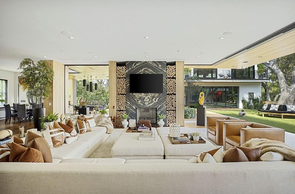 Sophie Turner ve Joe Jonas evlerini 15,2 milyon dolara sattı - 15