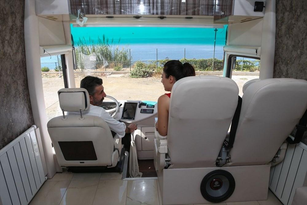Gezme tutkusuyla hayallerinin peşinden gitti: Otobüsü lüks karavana dönüştürdü - 12