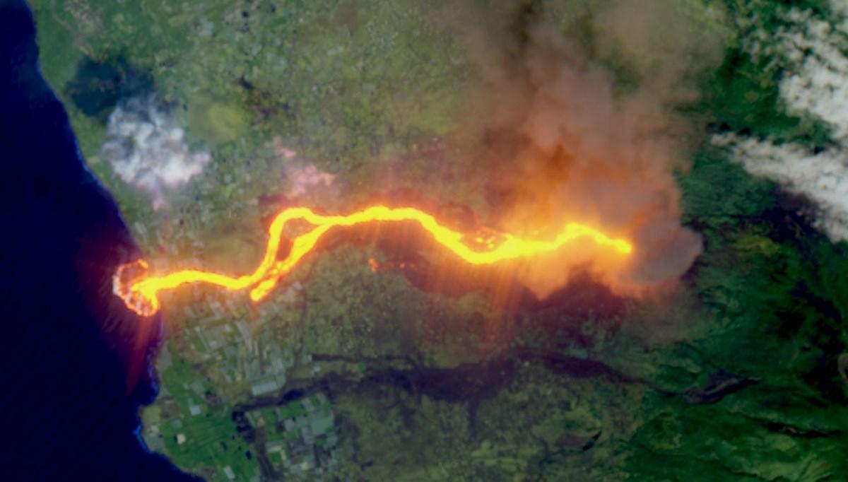Yetkililerden  Cumbre Vieja uyarısı: 3 ay daha lav püskürtecek
