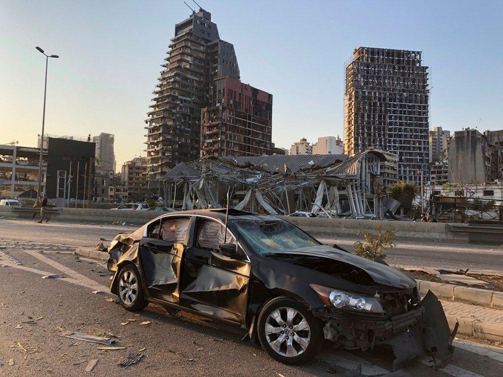 Beyrut Limanı'na patlamanın anısına kırık cam ve moloz yığınlarından heykel dikildi - 7