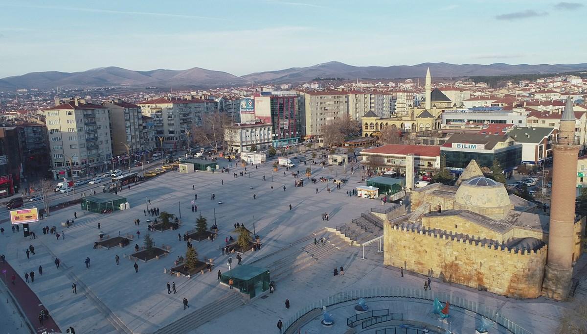 Kırşehir'de manyetik cihazla bıldırcın avlamaya çalışan 3 kişiye para cezası