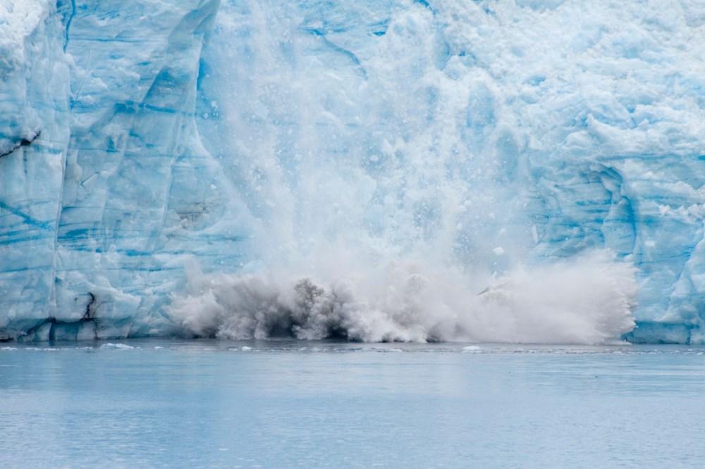 İklim değişikliği nedeniyle Grönland'de büyük bir buz tabakası koptu - 1