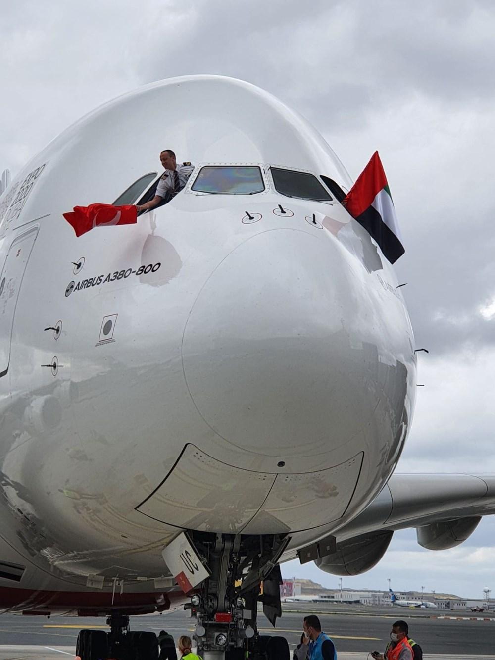 Dünyanın en büyük uçağı İstanbul'a ilk yolcularını taşıdı - 8