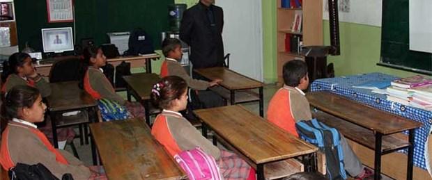'Öğretmenlere zorunlu hizmet kaldırılmıyor'