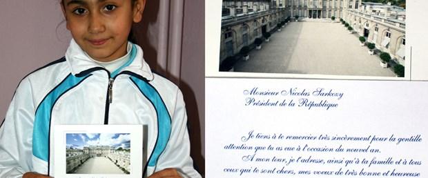 Sarkozy'den Sakaryalı öğrencilere kartpostal