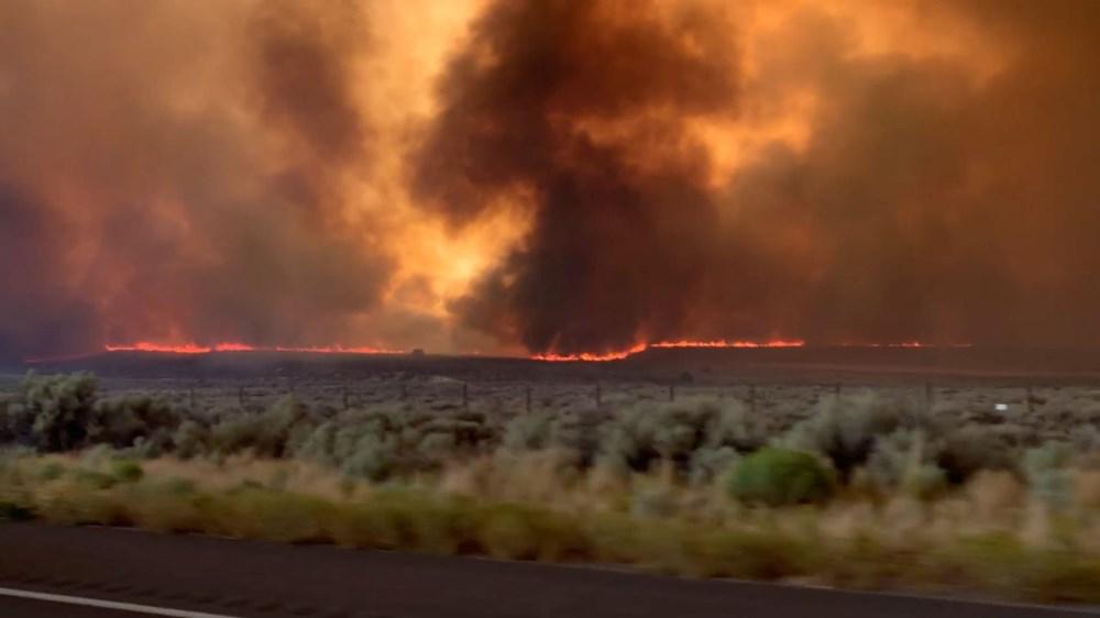 California'da yangınlar kontrol altına alınamadı: Bir helikopter düştü - 5