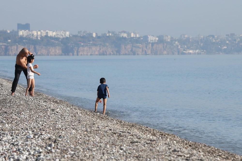 Antalya'da sahiller turistlere kaldı - 7