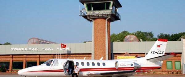 10 yıl sonra ilk yolcu uçağı indi