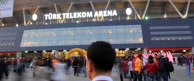 Arena'da 'isim' savaşı