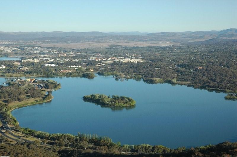 24-Canberra, Avustralya