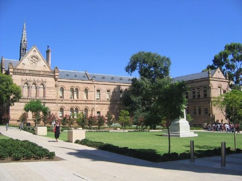 27-Adelaide, Avustralya