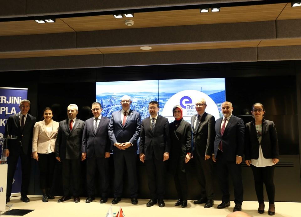 Toplantının ardından Murat Kalsın'ın önerisiyle Enerji Verimliliği Derneği ve SOCAR Türkiye, Enerji Verimliliği Endeksi için pilot çalışma yapma konusunda da el sıkıştı.
