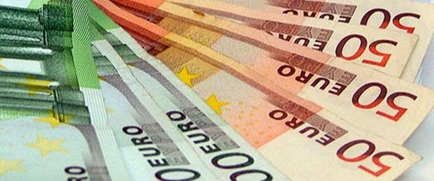 Euro günden güne eriyor
