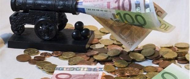 'Euro kur savaşlarına geri döndü'