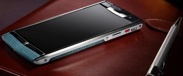 en-pahali-telefon-vertu-signature-touch-b_640x360.jpg