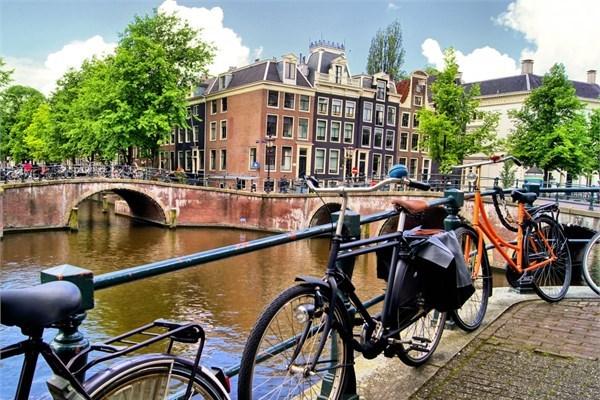 2- Hollanda
