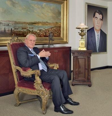 Erdoğan Demirören 79 yaşında.