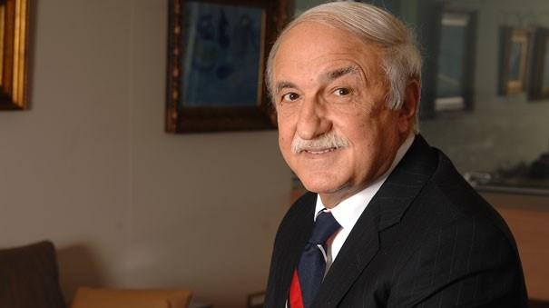 71 yaşındaki Hüsnü Özyeğin'in son Forbes zenginler listesine göre 2.7 milyar dolar kişisel serveti bulunuyor.