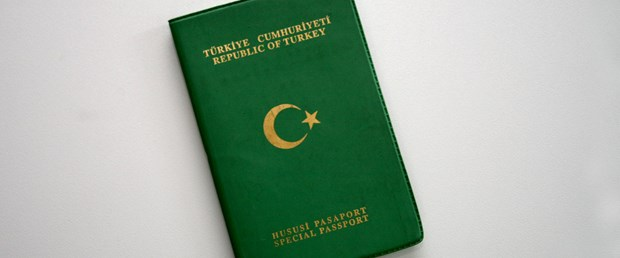 yeşil pasaport.jpg