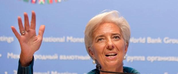 IMF: Yunanistan'a iki yıl süre tanınsın