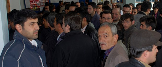 Krizde 6 ayda 385 bin kişi işsiz kaldı