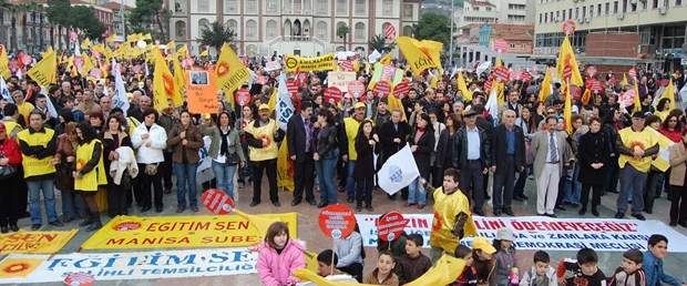 Manisa'da ekonomik paket protesto edildi