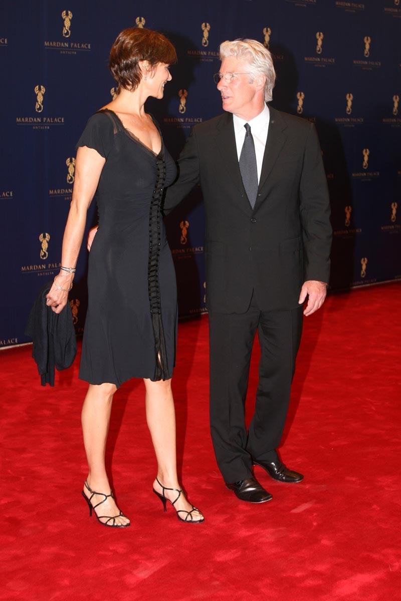 Richard Gere ve o dönemde evli olduğu Carey Lowell