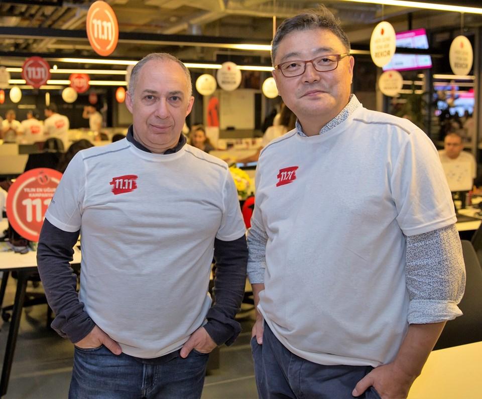 Doğuş Planet İcradan Sorumlu Yönetim Kurulu Üyesi İzi Adato (solda) ven11.com Genel Müdürü Won Yong.