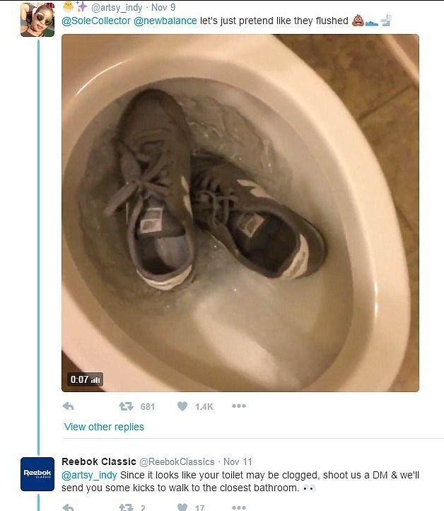 Reebok ayakkabısını klozete atan bir Twitter kullanıcısına yenisini göndermeyi teklif etti.
