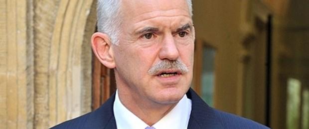 Papandreu: Korkmayın, iflas etmeyeceğiz