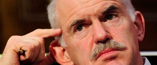 Papandreu'dan yeni kriz uyarısı