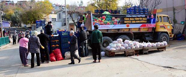 rusyanin-almadigi-20-ton-sebze-ve-meyve-halka-dagitildi_4216_dhaphoto2.jpg