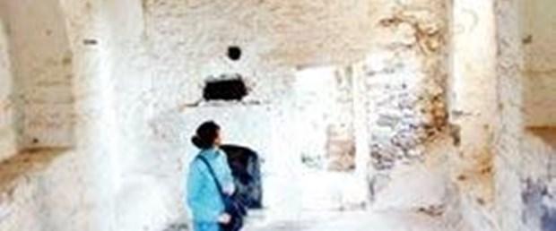Tarihi kiliseye restorasyon şart!