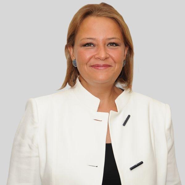 8-Gözde Akpınar (35), Betek Boya Yönetim Kurulu Başkanı