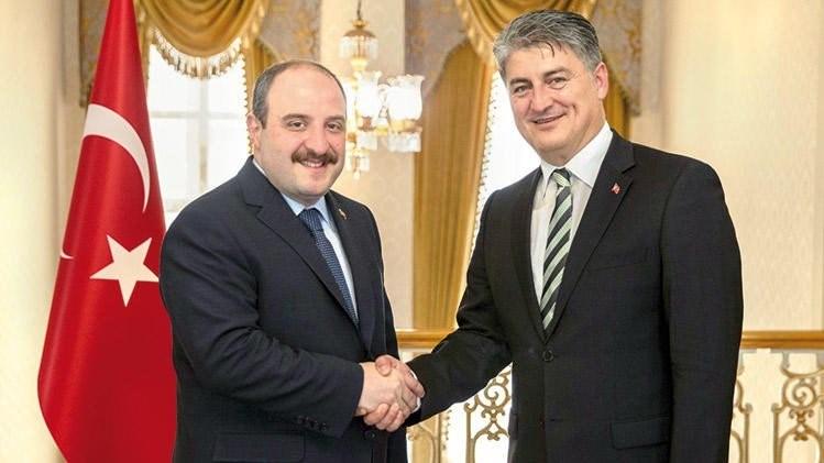 Sanayi ve Teknoloji Bakanı Sayın Mustafa Varank ileTürkiye'nin Otomobili Girişimi Grubu CEO'su Gürcan KarakaşDolmabahçe'deki Başbakanlık Ofisi'nde bir araya geldi