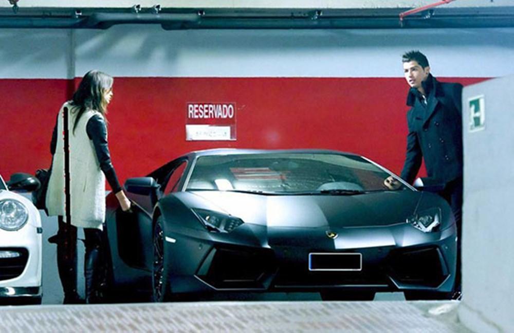 Cristiano Ronaldo dünyanın en pahalı arabasını aldı (Ronaldo'nun otomobil koleksiyonu) - 11