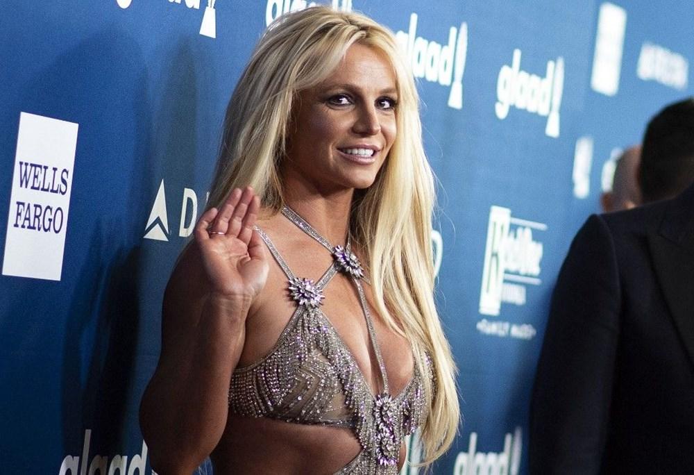 Britney Spears babasına açtığı vasilik davasında konuştu: Bana ilaçlar vererek beni uyuşturuyor - 4