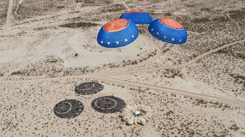 Dünyanın en zengin insanı Jeff Bezos'un uzay yolculuğu gerçekleşti - 6