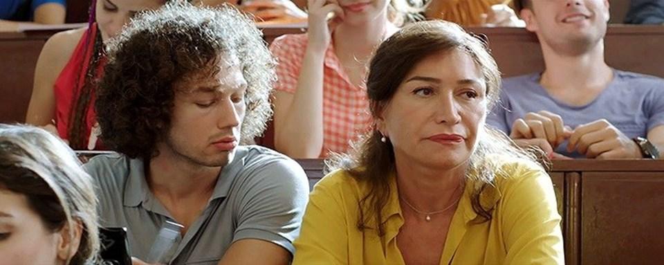 Demet Akbağ, son olarak Çağan Irmak'ın yönetmenliğini üstlendiği 2015 yapımı 'Nadide Hayat' filminde rol almıştı.