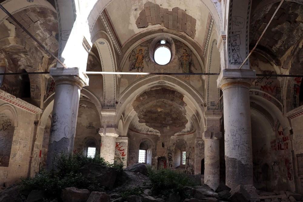 Definecilerin tahrip ettiği tarihi kilise, restore edilecek - 9