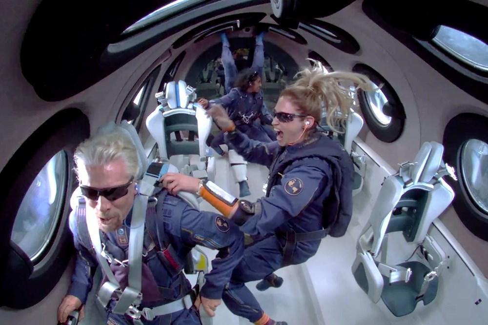 Dünyanın en zengin insanı Jeff Bezos'un uzay yolculuğu gerçekleşti - 13