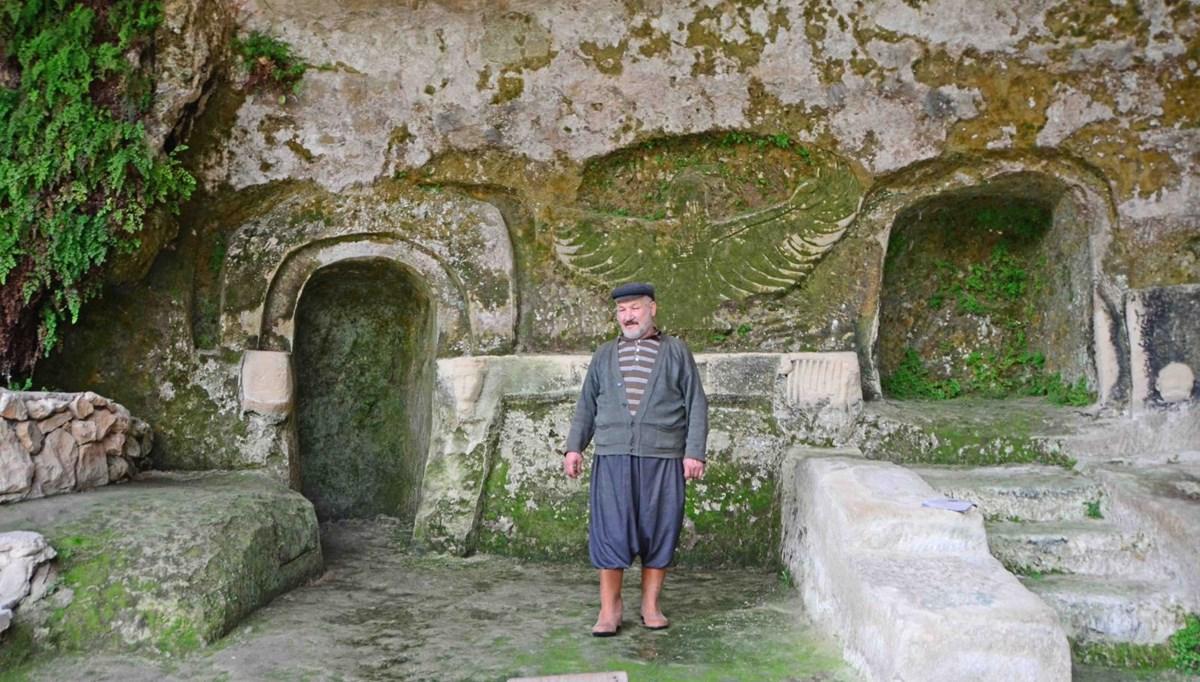 Mersin'de doğa aşığı Mustafa Öztürk, 30 yıldır mağarada yaşıyor