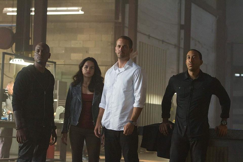 Hızlı ve Öfkeli 7 setinden: Ludacris, Michelle Rodriguez, Tyrese Gibson ve Paul Walker
