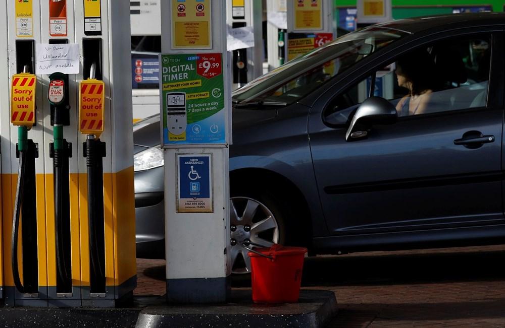 İngiltere'de yakıt krizi giderek büyüyor - 11