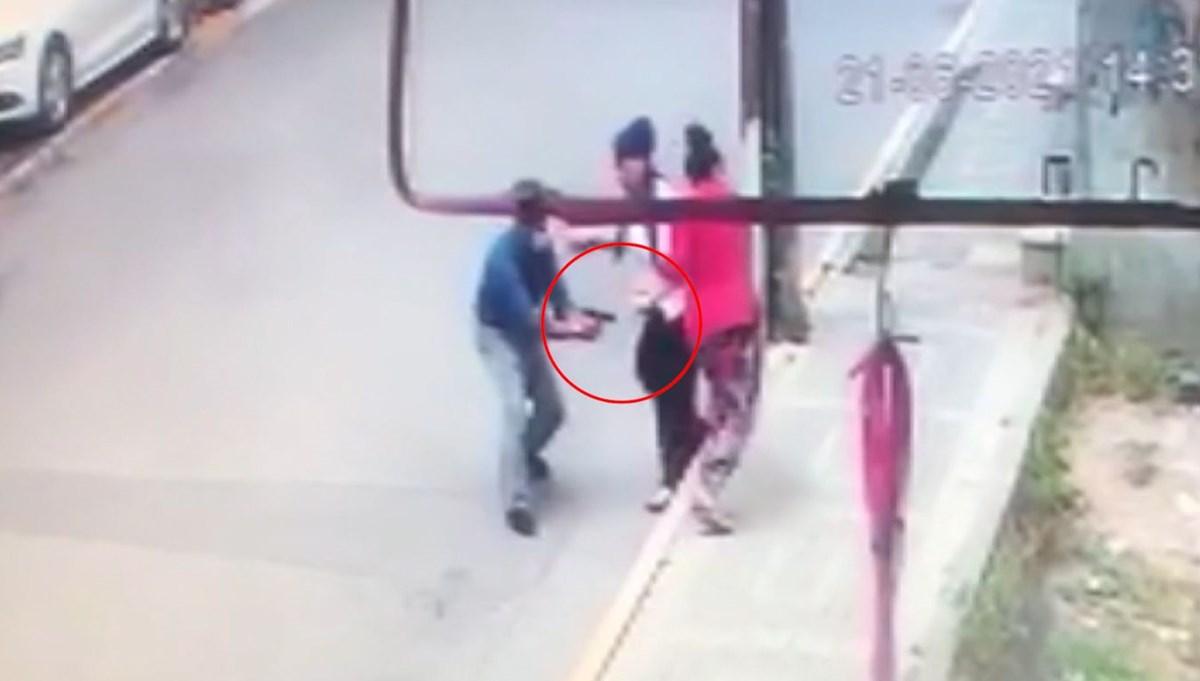 Eski eşini sokak ortasında bacaklarından vurdu